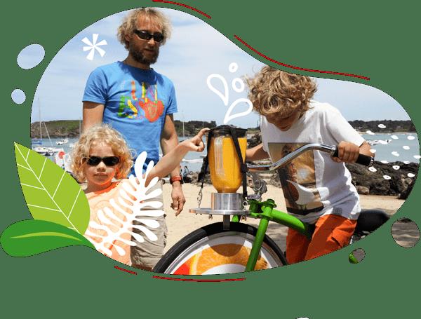le vélo à smoothie fabriqué en france normandie remporte un franc succès lors des animations familiales comme sur cette photo